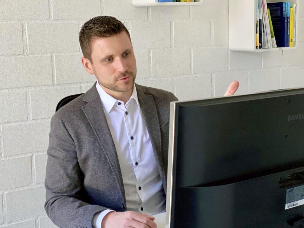 Der Cosmos Verlag setzt auf Xpublisher for Learning Content
